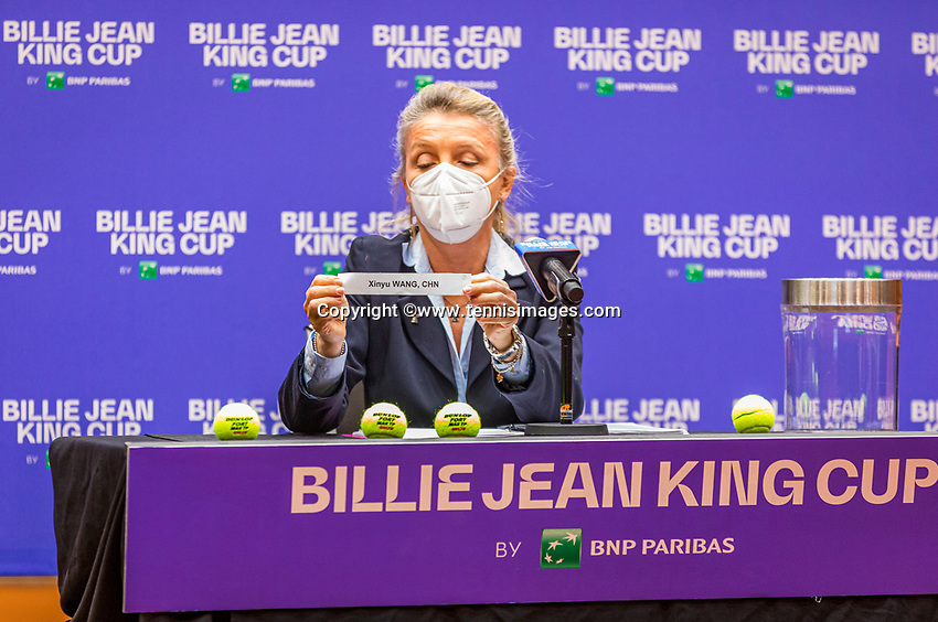 Den Bosch, The Netherlands, April 15, 2021,    Maaspoort, Billy Jean King Cup  Netherlands -  China : Draw ,  Maria Cristina Barbarano does yhe draw.<br /> Photo: Tennisimages/Henk Koster