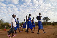 "Afrika Uganda Kotido , Karimojong Maedchen auf dem Schulweg -  Bildung Kinder Afrikaner afrikanisch xagndaz | .Africa Uganda Kotido , Karimojong girls on way to school - children education .| [ copyright (c) Joerg Boethling / agenda , Veroeffentlichung nur gegen Honorar und Belegexemplar an / publication only with royalties and copy to:  agenda PG   Rothestr. 66   Germany D-22765 Hamburg   ph. ++49 40 391 907 14   e-mail: boethling@agenda-fototext.de   www.agenda-fototext.de   Bank: Hamburger Sparkasse  BLZ 200 505 50  Kto. 1281 120 178   IBAN: DE96 2005 0550 1281 1201 78   BIC: ""HASPDEHH"" ,  WEITERE MOTIVE ZU DIESEM THEMA SIND VORHANDEN!! MORE PICTURES ON THIS SUBJECT AVAILABLE!! ] [#0,26,121#]