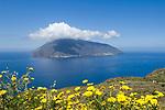 ITA, Italien, Sizilien, Liparischen Inseln, Blick von Lipari auf die Insel Salina | ITA, Italy, Sicily, Aeolian Islands or Lipari Islands, view from Lipari towards island Salina