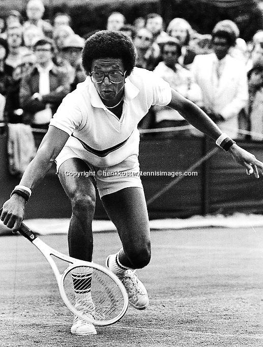 1976,Tennis, Wimbledon,Arthur Ashe (USA)