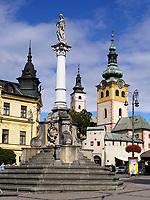 Mariensäule, Stadtburg, Stadtturm und Marienkirche in Banska Bystrica, Banskobystricky kraj, Slowakei, Europa<br /> Marian column, town castle and St. Mary in Banska Bystrica, Banskobystricky kraj, Slovakia, Europe