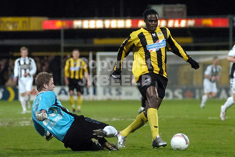 voetbal bv veendam - ado den haag jupiler league 25-01-2008.afonso langs doelman kum.fotograaf Jan Kanning