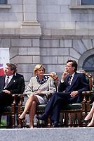 Le Maire jean Dore (G), le Premier Ministre quebecois Robert Bourassa (D) et son epouse (D), lors du 350 ieme de Montreal, <br />  en mai  1992 a la Place Royale.<br /> <br /> Photo:  Agence Quebec Presse