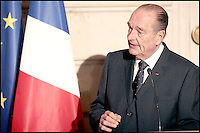 JACQUES CHIRAC. JACQUES CHIRAC A REMIS LES INSIGNES DE COMMANDEUR DE LA LEGION D' HONNEUR A MAITRE SHIRIN EBADI (AVOCATE IRANIENNE, PRIX NOBEL DE LA PAIX 2003, DEFENSEUSE DES DROITS DE L' HOMME ). #