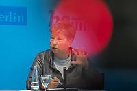 Auf der Senatspressekonferenz am Dienstag den 20. August 2019 stellte die Senatorin fuer Stadtentwicklung und Wohnen, Katrin Lompscher (im Bild) den Infrastruktur- und Stadtentwicklungsplan des Senats vor.<br /> 20.8.2019, Berlin<br /> Copyright: Christian-Ditsch.de<br /> [Inhaltsveraendernde Manipulation des Fotos nur nach ausdruecklicher Genehmigung des Fotografen. Vereinbarungen ueber Abtretung von Persoenlichkeitsrechten/Model Release der abgebildeten Person/Personen liegen nicht vor. NO MODEL RELEASE! Nur fuer Redaktionelle Zwecke. Don't publish without copyright Christian-Ditsch.de, Veroeffentlichung nur mit Fotografennennung, sowie gegen Honorar, MwSt. und Beleg. Konto: I N G - D i B a, IBAN DE58500105175400192269, BIC INGDDEFFXXX, Kontakt: post@christian-ditsch.de<br /> Bei der Bearbeitung der Dateiinformationen darf die Urheberkennzeichnung in den EXIF- und  IPTC-Daten nicht entfernt werden, diese sind in digitalen Medien nach §95c UrhG rechtlich geschuetzt. Der Urhebervermerk wird gemaess §13 UrhG verlangt.]