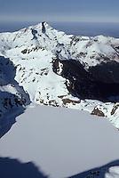 Europe/France/Midi-Pyrénées/65/Hautes-Pyrénées/Pic de Montaigu: Vue aérienne du sommet et du Lac