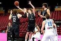 11-02-2021: Basketbal: Donar Groningen v Apollo Amsterdam: Groningen  rebound Apollo speler Lucas Faijdherbe