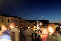 Veduta notturna dal Ponte di Rialto, a Venezia.<br /> Night scene on Rialto Bridge in Venice.<br /> UPDATE IMAGES PRESS/Riccardo De Luca