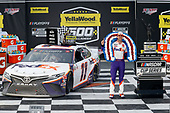#11: Denny Hamlin, Joe Gibbs Racing, Toyota Camry FedEx Express celebrates in victory lane