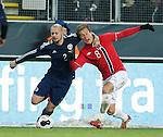 Alan Hutton and Morten Gamst Pedersen