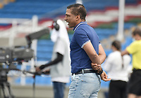 CALI - COLOMBIA, 04-04-2021: Alexis Garcia técnico de Equidad gesticula durante partido por la fecha 17 como parte de la Liga BetPlay DIMAYOR I 2021 entre América de Cali y La Equidad jugado en el estadio Pascual Guerrero de la ciudad de Cali. / Alexis Garcia coach of Equidad gestures during match between America de Cali and La Equidad for the date 17 as part of Liga BetPlay DIMAYOR I 2021 played at Pascual Guerrero stadium in Cali city. Photo: VizzorImage / Gabriel Aponte / Staff