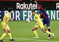 27th September 2020; Camp Nou, Barcelona, Catalonia, Spain; La Liga Football, Barcelona versus Villareal;  Coquelin holds off the challenge from Lenglet of Barcelona