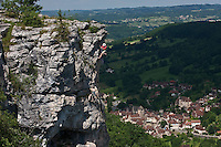Europe/Europe/France/Midi-Pyrénées/46/Lot/Autoire: Escalade dans les falaises du Cirque d'Autoire -Plus Beaux Villages de France