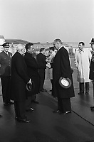 Vice President Lyndon Johnson in the Netherlands upon arrival. Lyndon Johnson and Prime Minister Marijnen,  November 5, 1963<br /> <br /> Photographer Pot, Harry / Anefo