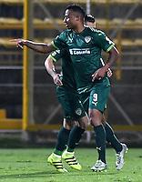 BOGOTA - COLOMBIA -21 -10-2016: Carlos Peralta, jugador de La Equidad, celebra el gol anotado a Boyaca Chico FC, durante partido entre La Equidad y Boyaca Chico FC, por la fecha 17 de la Liga Aguila II-2016, jugado en el estadio Metropolitano de Techo de la ciudad de Bogota. / Carlos Peralta, player of La Equidad celebrates a scored goal to Boyaca Chico FC, during a match La Equidad and Boyaca Chico FC, for the  date 17 of the Liga Aguila II-2016 at the Metropolitano de Techo Stadium in Bogota city, Photo: VizzorImage  / Luis Ramirez / Staff.