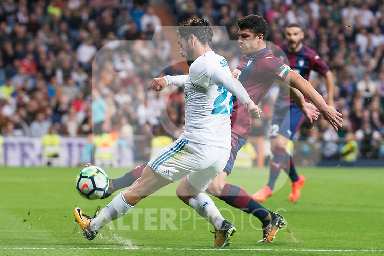 "Real Madrid Francisco Roman ""Isco"" and Eibar Ander Capa during La Liga match between Real Madrid and Eibar at Santiago Bernabeu Stadium in Madrid, Spain. October 22, 2017. (ALTERPHOTOS/Borja B.Hojas)"