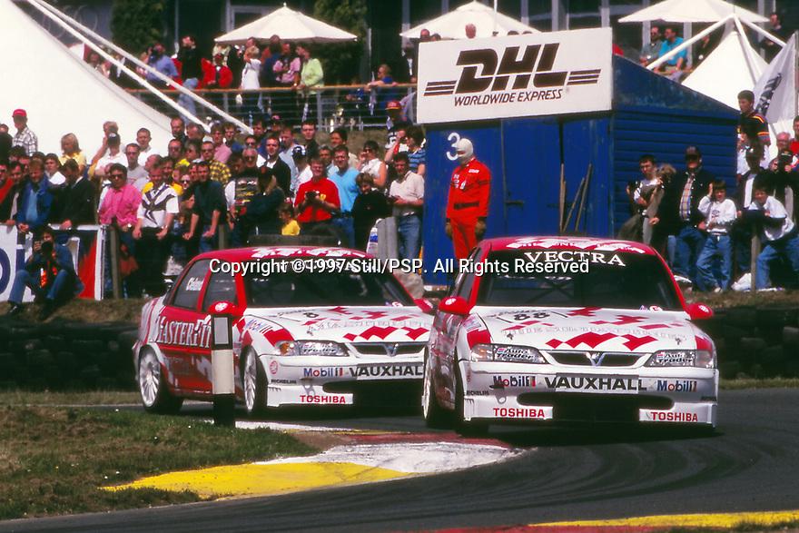 1997 British Touring Car Championship. #88 Derek Warwick (GBR) & #8 John Cleland (GBR). Vauxhall Sport. Vauxhall Vectra.