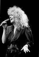 La chanteuse du groupe X-Press, lors du councours Rock Envol 1987, le 6 avril.<br /> <br /> Photo: Agence Quebec Presse - Pierre, Roussel