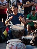 Trommler am See Qian Hai, Peking, China, Asien<br /> drummer at Qian Hai lake, Beijing, China, Asia