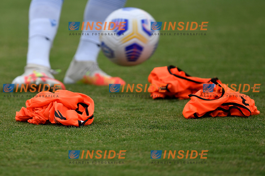 Training bibs are seen on the pitch during the friendly football match between Frosinone calcio and SS Lazio at Benito Stirpe stadium in Frosinone (Italy), September 12th, 2020. SS Lazio won 1-0 over Frosinone. Photo Andrea Staccioli / Insidefoto