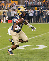 Pitt wide receiver Quadree Henderson. The Pitt Panthers defeated the Marshall Thundering Herd 43-27 on October 1, 2016 at Heinz Field in Pittsburgh, Pennsylvania.