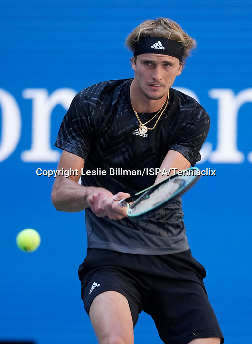 September  6, 2021:   Jannik Sinner (ITA) loses to Alexander Zverev (GER), 6-4, {fordc}at the US Open being played at Billy Jean King Ntional Tennis Center in Flushing, Queens, New York, {USA} ©Jo BecktoldTennisclix/CSM