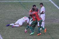 SÃO PAULO, SP, 17 DE MAIO DE 2O14 - ESPORTES - FUTEBOL - CAMPEONATO BRASILEIRO SÉRIE B - PORTUGUESA X AMÉRICA (RN) - Alan Dias (C) comemora com Caio Mancha (E) Serginho (D) durante partida contra a equipe do América (RN), válida pela 5ª rodada do campeonato Brasileiro série (B), no estádio do Canindé, neste sábado (17) às 16h20 na zona Norte da cidade de São Paulo. Fotos: Dorival Rosa/Brazil Photo Pres).