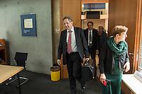 Am 2. Juni 2016 fand die 20. Sitzung des 2. NSU-Untersuchungsausschusses des Deutschen Bundestag statt. Als Zeuge der nichtöffentlichen Sitzung war Hans-Georg Maassen, Praesident des Bundesamt fuer Verfassungsschutz geladen.<br /> Im Bild: Hans-Georg Maassen nach der Sitzung.<br /> 2.6.2016, Berlin<br /> Copyright: Christian-Ditsch.de<br /> [Inhaltsveraendernde Manipulation des Fotos nur nach ausdruecklicher Genehmigung des Fotografen. Vereinbarungen ueber Abtretung von Persoenlichkeitsrechten/Model Release der abgebildeten Person/Personen liegen nicht vor. NO MODEL RELEASE! Nur fuer Redaktionelle Zwecke. Don't publish without copyright Christian-Ditsch.de, Veroeffentlichung nur mit Fotografennennung, sowie gegen Honorar, MwSt. und Beleg. Konto: I N G - D i B a, IBAN DE58500105175400192269, BIC INGDDEFFXXX, Kontakt: post@christian-ditsch.de<br /> Bei der Bearbeitung der Dateiinformationen darf die Urheberkennzeichnung in den EXIF- und  IPTC-Daten nicht entfernt werden, diese sind in digitalen Medien nach §95c UrhG rechtlich geschuetzt. Der Urhebervermerk wird gemaess §13 UrhG verlangt.]