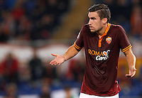 Calcio, Serie A: Roma vs ChievoVerona. Roma, stadio Olimpico, 31 ottobre 2013.<br /> AS Roma midfielder Kevin Strootman, of the Netherlands, gestures during the Italian Serie A football match between AS Roma and ChievoVerona at Rome's Olympic stadium, 31 October 2013.<br /> UPDATE IMAGES PRESS/Riccardo De Luca