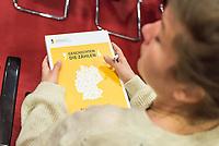 """Pressekonferenz am Mittwoch den 3. April 2019 zur Veroeffentlichung des Bilanzberichtes der """"Unabhaengigen Kommission zur Aufarbeitung sexuellen Kindesmissbrauchs"""".<br /> Im Bild: Eine Journalistin studiert den Bericht.<br /> 3.4.2019, Berlin<br /> Copyright: Christian-Ditsch.de<br /> [Inhaltsveraendernde Manipulation des Fotos nur nach ausdruecklicher Genehmigung des Fotografen. Vereinbarungen ueber Abtretung von Persoenlichkeitsrechten/Model Release der abgebildeten Person/Personen liegen nicht vor. NO MODEL RELEASE! Nur fuer Redaktionelle Zwecke. Don't publish without copyright Christian-Ditsch.de, Veroeffentlichung nur mit Fotografennennung, sowie gegen Honorar, MwSt. und Beleg. Konto: I N G - D i B a, IBAN DE58500105175400192269, BIC INGDDEFFXXX, Kontakt: post@christian-ditsch.de<br /> Bei der Bearbeitung der Dateiinformationen darf die Urheberkennzeichnung in den EXIF- und  IPTC-Daten nicht entfernt werden, diese sind in digitalen Medien nach §95c UrhG rechtlich geschuetzt. Der Urhebervermerk wird gemaess §13 UrhG verlangt.]"""