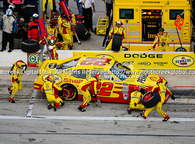 Kurt Busch, driver of the (22) Shell/Pennzoil Dodge, makes a pit stop during the Samsung Mobile 500 Sprint Cup race at Texas Motor Speedway in Fort Worth,Texas.