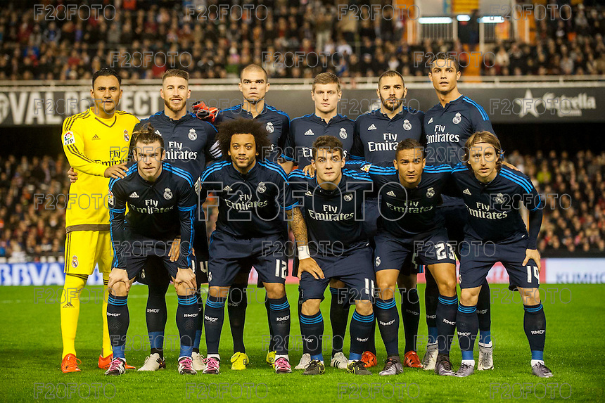VALENCIA, SPAIN - JANUARY 3: Madrid team during BBVA LEAGUE match between Valencia C.F. and Real Madrid at Mestalla Stadium on January 3, 2015 in Valencia, Spain