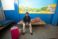 Chiasso, Canton Ticino Svizzera, Stazione, controllo documenti immigrato Somalia