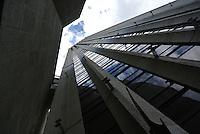BOGOTÁ -COLOMBIA. Aspecto de la Torre Colpatria en el centro de la ciudad de Bogotá, Colombia./ Aspect of Colpatria Tower in downtown Bogota, Colombia. Photo: VizzorImage/ Str