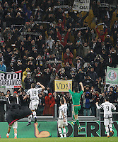 Calcio, Serie A: Juventus vs Inter. Torino, Juventus Stadium, 28 February 2016.<br /> Juventus' players greet fans at the end of the Italian Serie A football match between Juventus and Inter at Turin's Juventus Stadium, 28 February 2016. Juventus won 2-0.<br /> UPDATE IMAGES PRESS/Isabella Bonotto