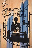 Europe/France/Languedoc-Roussillon/66/Pyrénées-Orientales/Conflent/Villefranche-de-Conflent: Détail enseigne de la  Ville fortifiée - Tourneur sur bois