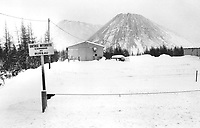 1976 FILE PHOTO - ARCHIVES -<br /> <br /> The Town; Thetford Mines; Que.; has about 4;000 mines in its surrounding asbestos fields. The region has produced about a third of the world's asbestos. Now Thetford miners are falling victim to deadly fibres.<br /> <br /> PHOTO :  John Mahler - Toronto Star Archives - AQP