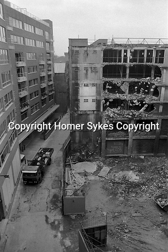 Butlers Wharf  Shad Thames London Docklands Development 1980s. Old warehouses being developed.  Bermondsey,  Southwark, South East London. 1987 UK.