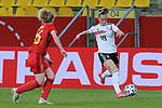 v.li.: Klara Bühl (Deutschland, 19) am Ball, Aktion, Action, DIE DFB-RICHTLINIEN UNTERSAGEN JEGLICHE NUTZUNG VON FOTOS ALS SEQUENZBILDER UND/ODER VIDEOÄHNLICHE FOTOSTRECKEN. DFB REGULATIONS PROHIBIT ANY USE OF PHOTOGRAPHS AS IMAGE SEQUENCES AN/OR QUASI-VIDEO., 21.02.2021, Aachen (Deutschland), Fussball, Länderspiel Frauen, Deutschland - Belgien <br /> <br /> Foto © PIX-Sportfotos *** Foto ist honorarpflichtig! *** Auf Anfrage in hoeherer Qualitaet/Aufloesung. Belegexemplar erbeten. Veroeffentlichung ausschliesslich fuer journalistisch-publizistische Zwecke. For editorial use only.