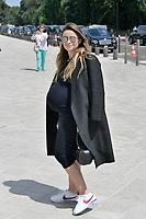 Miroslava DUMA (enceinte avec un ventre très rond) - Remise du PRIX LVMH par Rihanna à la Fondation Louis Vuitton - 16/06/2017 - Paris - France. # REMISE DU PRIX 'LVMH' PAR RIHANNA