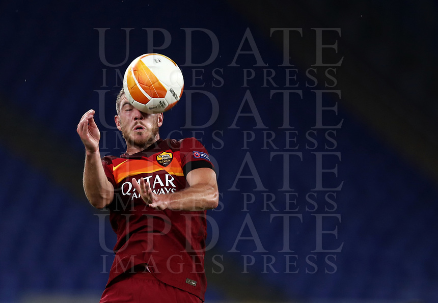 Football Soccer: UEFA Europa League UEFA Europa League Group A  AS Roma vs FCR Cluj, Olympic stadium, Rome, 5 November, 2020.<br /> Roma's Jordan Veretout in action during the Europa League football match between Roma and Cluj at the Olympic stadium in Rome on  5 November, 2020.<br /> UPDATE IMAGES PRESS/Isabella Bonotto