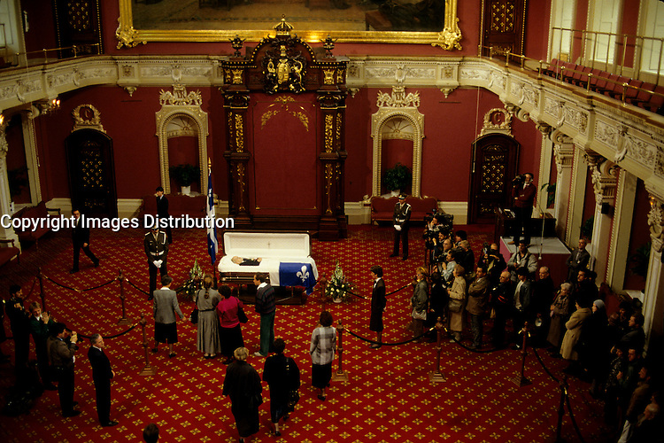 Quebec (Qc) CANADA,November 5, 1987 File Photo -<br /> <br /> Rene Levesque body is exposed in the Salon Rouge of the Quebec National Assembly.<br /> <br /> <br /> photo (c) Pierre Roussel -  Images Distribution -