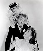 James Cagney With Rita Hayworth (L)<br /> and Olivia de Havilland (R<br /> in STRAWBERRY BLONDE