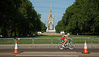 01 JUNE 2014 - LONDON, GBR - A competitor races on the bike course around Hyde Park in London, Great Britain during the 2014 ITU World Triathlon Series Open Olympic Distance Age Group race (PHOTO COPYRIGHT © 2014 NIGEL FARROW, ALL RIGHTS RESERVED)