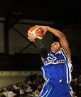 090529 National Basketball League - Saints v Pistons