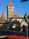 Deutschland, Bayern, Franken, Rothenburg ob der Tauber: Rödertor (Stadttor)   Germany, Bavaria, Upper Bavaria, Franconia, Rothenburg ob der Tauber: Roeder gate (town gate)