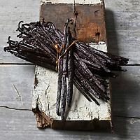 Gastronomie générale/ Gousses de Vanille - Maison Thiercelin - Stylisme : Valérie LHOMME