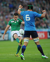 Johnny Sexton of Ireland sends up a cross kick to the corner over the head of Francesco Minto of Italyduring Match 28 of the Rugby World Cup 2015 between Ireland and Italy - 04/10/2015 - Queen Elizabeth Olympic Park, London<br /> Mandatory Credit: Rob Munro/Stewart Communications