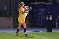 Standard's Lisa Petry (21) gets ready for a throw in during a female soccer game between FC Femina WS Woluwe and Standard Femina de Liege on the fourth match day of the 2020 - 2021 season of Belgian Womens Super League , Friday 8th of October 2020  in Liege , Belgium . PHOTO SPORTPIX.BE   SPP   SEVIL OKTEM