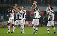 Calcio, Serie A: Inter vs Juventus. Milano, stadio San Siro, 18 ottobre 2015. <br /> FC Inter and Juventus players greet at the end of the Italian Serie A football match between FC Inter and Juventus, at Milan's San Siro stadium, 18 October 2015. The game ended 0-0.<br /> UPDATE IMAGES PRESS/Isabella Bonotto